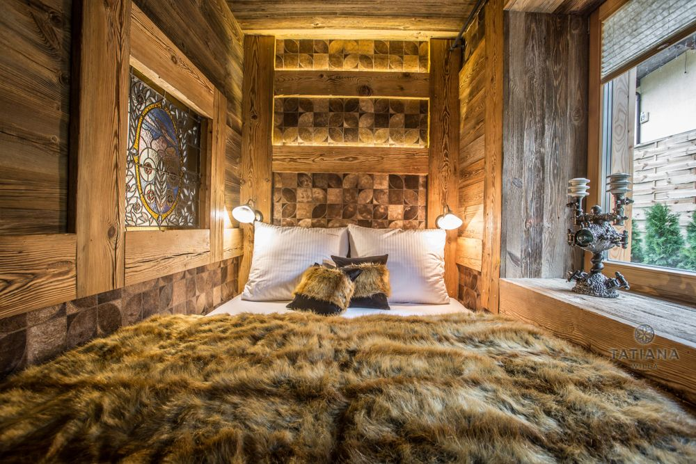 Apartament Karpacki Willa Tatiana folk drewniana sypialnia