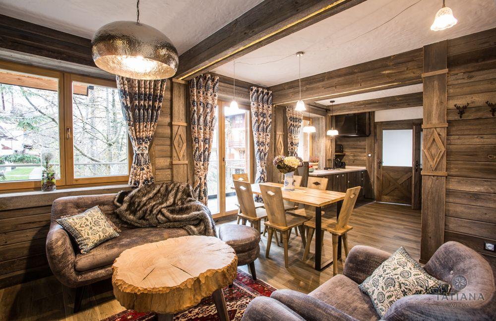 Apartament Syberyjski Willa Tatiana folk drewniany salon