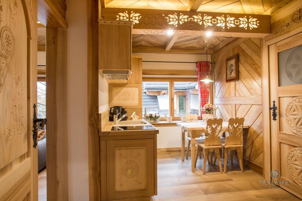Apartament Tatrzański Willa Tatiana folk drewniany kuchnia