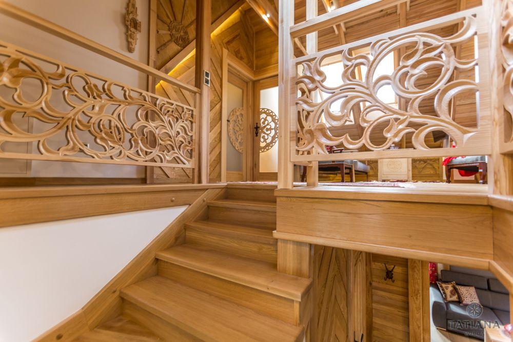 Apartament Tatrzański Willa Tatiana folk drewniane rzeźbione balustrady