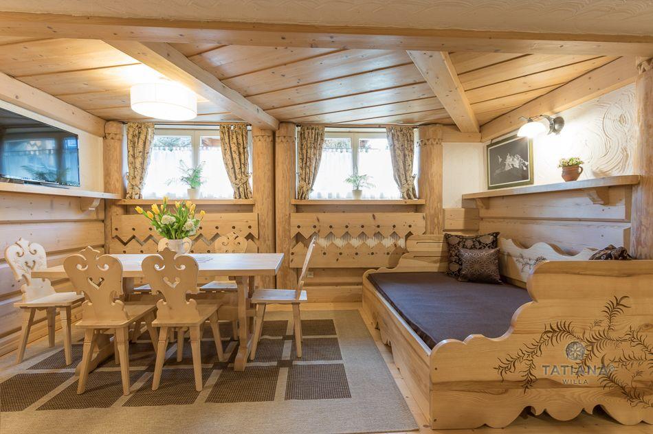 Apartament 5 Tatiana Premium Zakopane drewniana jadalnia