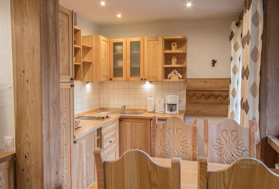 Apartament 7 Tatiana Premium Zakopane drewniana kuchnia