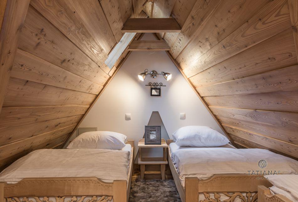 Apartament 8 Tatiana Premium Zakopane drewniana sypialnia na poddaszu