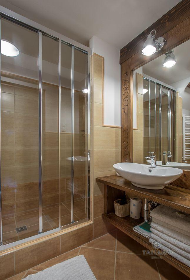 Apartament 9 Tatiana Premium Zakopane łazienka z akcentami drewnianymi