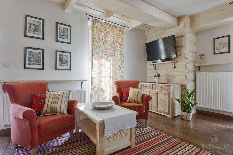 Apartament 12 Willa Tatiana II Zakopane drewniany salon z akcentem góralskim