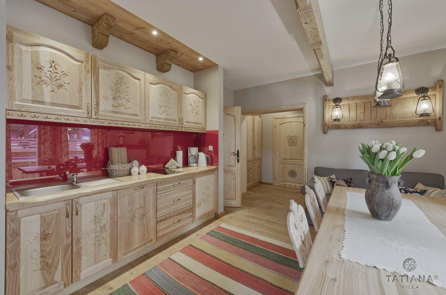 Apartament 15 Willa Tatiana II Zakopane drewniana kuchnia