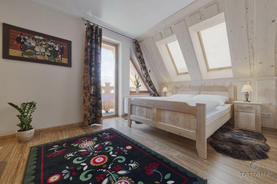 Apartament 16 Willa Tatiana II Zakopane sypialnia z akcentem góralskim