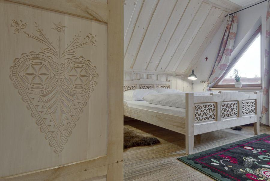 Apartament 17 Willa Tatiana lux Zakopane drewniana sypialnia