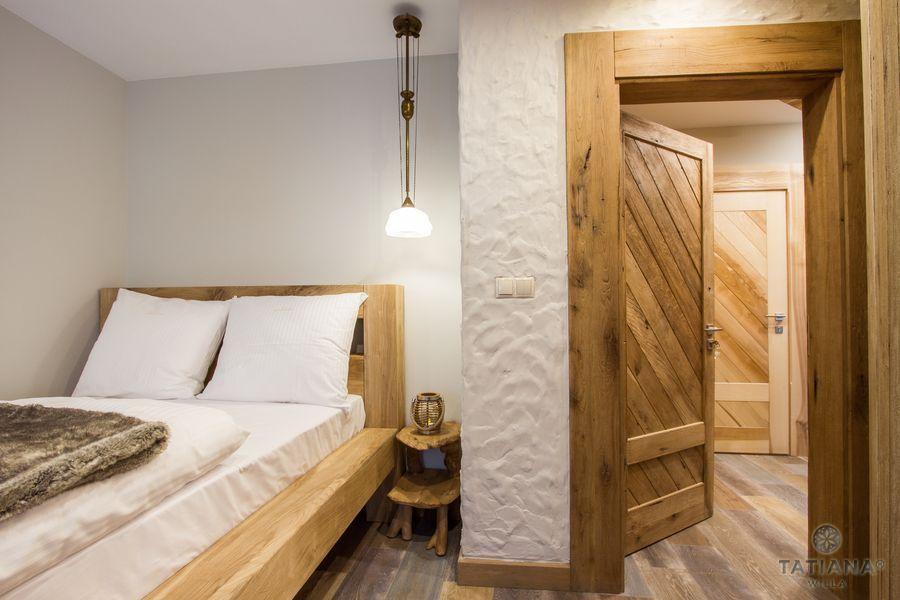 Apartament Debowy Willa Tatiana boutique drewniana sypialnia