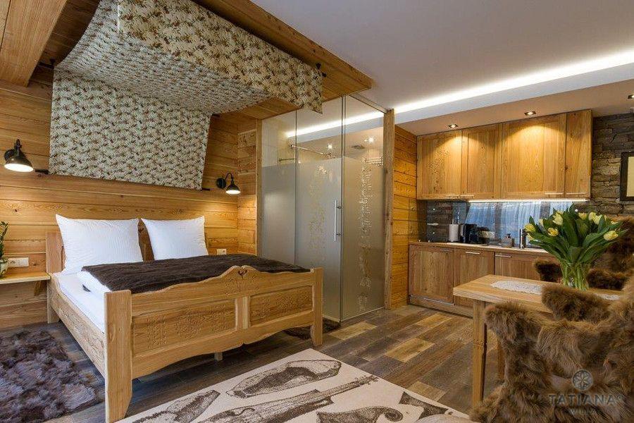 Apartament Modrzewiowy Willa Tatiana boutique drewniane wnętrze